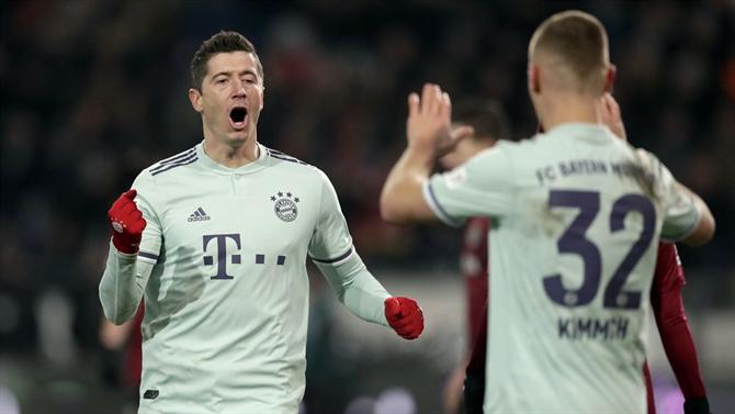 A BOLA - Bayern goleia e alcança Monchengladbach na segunda posição ( Alemanha) b2e51fd98cc63