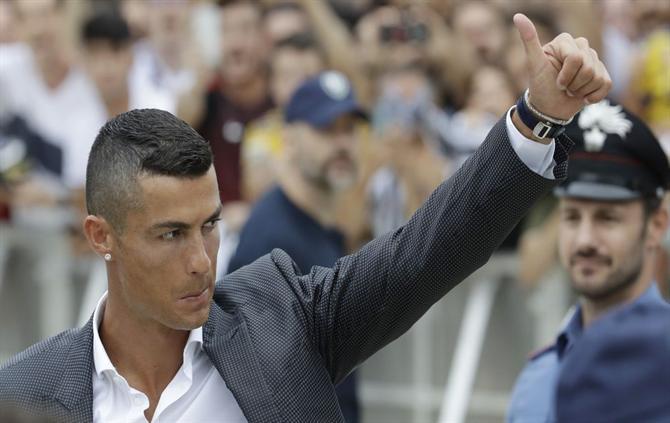 https://www.abola.pt//img/fotos/ABOLA2015/FOTOSAP/ITALIA/2018/Ronaldo1.jpg