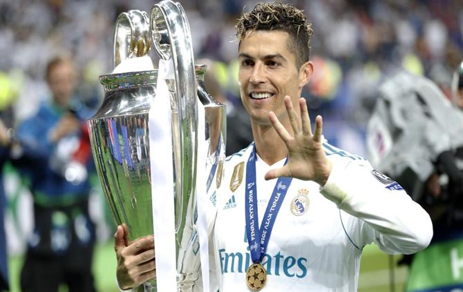 https://www.abola.pt//img/fotos/ABOLA2015/FOTOSAP/LIGACAMPEOES/Final2018/Ronaldo5.jpg