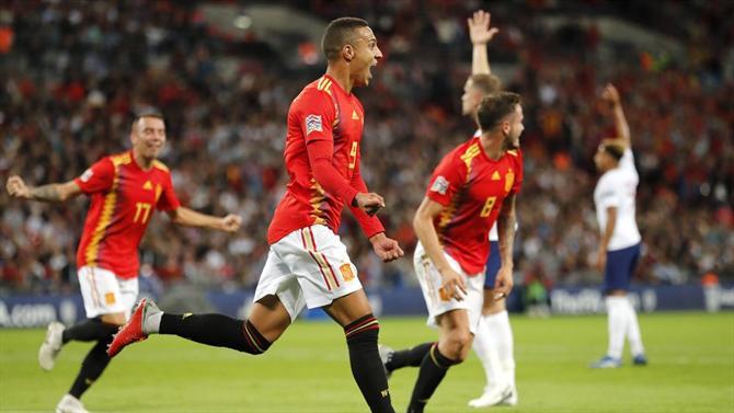 A BOLA - Espanha vence Inglaterra na estreia oficial de Luis Enrique (Liga  das Nações) cdfeacbe40486