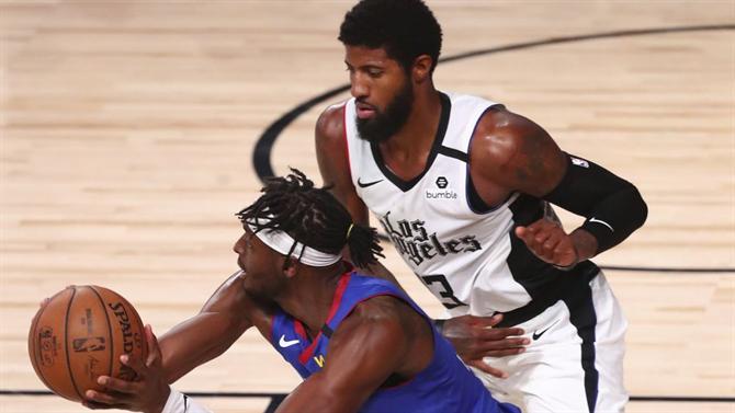 https://www.abola.pt//img/fotos/ABOLA2015/FOTOSAP/NBA/2020/paulgeorgejeramigrant.jpg