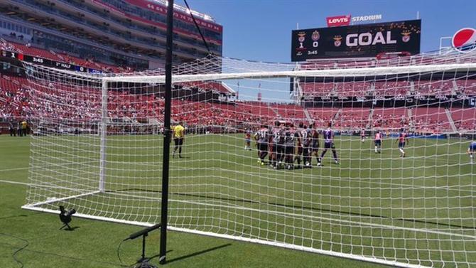 https://www.abola.pt//img/fotos/ABOLA2015/FOTOSDR/2019/BenficaGoloChivas1DR.jpg