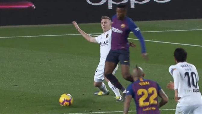 fe99c666ae Messi minimiza escândalo em Camp Nou com ajuda de Nelson Semedo (vídeo)