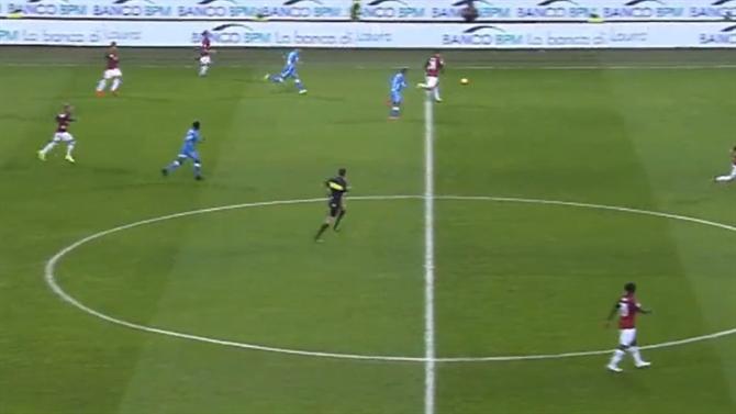 Piatek endiabrado bisa frente ao Nápoles em grande estilo (vídeo). Taça de  Itália ... 7b44dee705f45