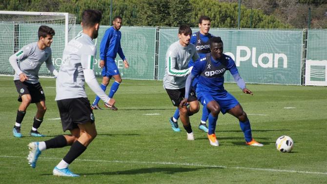 ABOLA.PT - Sporting - Derrota em jogo-treino com o Estoril - A Bola