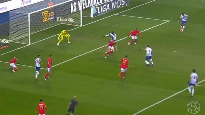 Photo of Luís Godinho atribuiu golo a Marega no clássico; reveja aqui o lance (vídeo) (Liga) | A Bola
