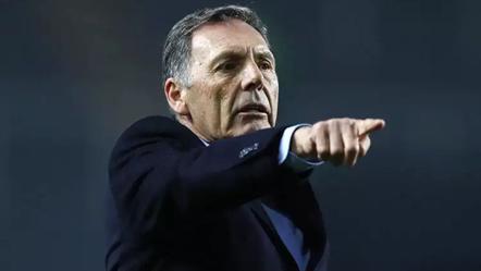 Ex-Boca Juniors na calha para suceder a José Peseiro
