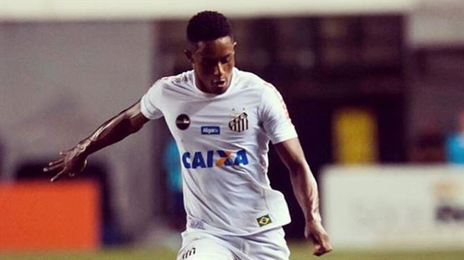 https://www.abola.pt//img/fotos/ABOLA2015/FOTOSDR/BRASIL/2019/caju1.jpg