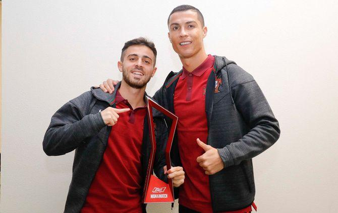 Bernardo Silva recebeu prémio de Cristiano Ronaldo (@Portugal)