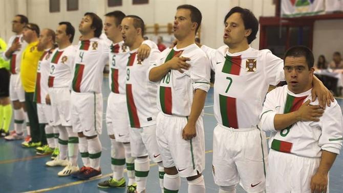 A BOLA - Portugal sagra-se campeão europeu para atletas com síndrome de  Down (Futsal) 8964a73ecac05