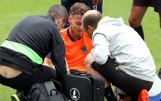 ATUALIZADA - Neymar discute com companheiro e deixa treino do Barcelona nos EUA