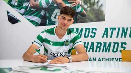 Avançado de 16 anos assinou contrato profissional