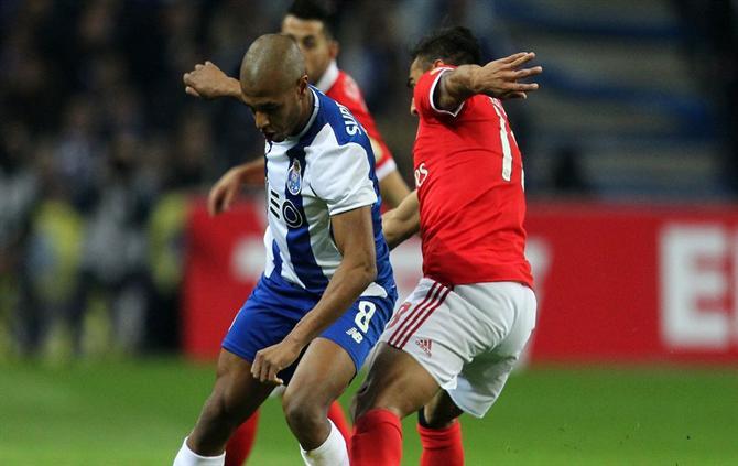 A Bola Veja Aqui O Resumo Do Fc Porto Benfica Video Fc Porto Benfica