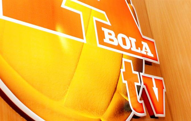 https://www.abola.pt//img/fotos/abola2015/ABOLATV/abolatv1.jpg