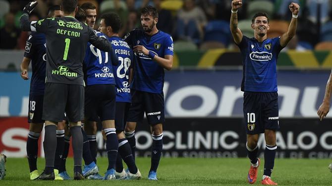 ABOLA.PT - Famalicão - Triunfo frente ao FC Porto B - A Bola