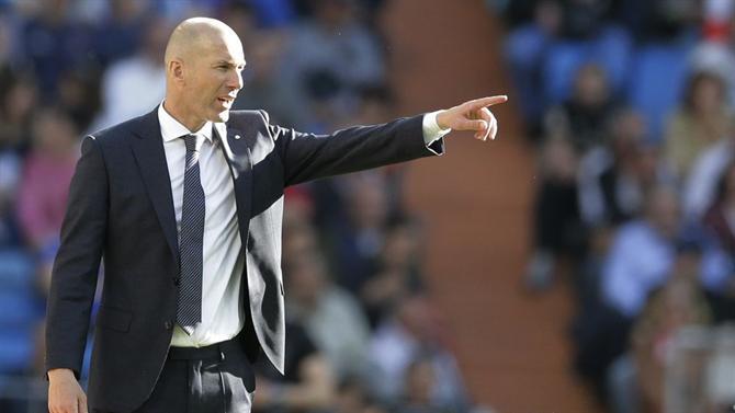 https://www.abola.pt//img/fotos/abola2015/FOTOSAP/ESPANHA/2018/ZidaneregressoAP.jpg