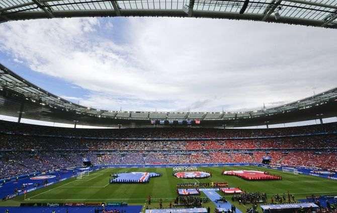 https://www.abola.pt//img/fotos/abola2015/FOTOSAP/EURO2016/stadedefranceeuro2016.jpg