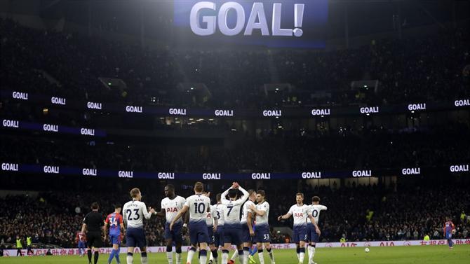 https://www.abola.pt//img/fotos/abola2015/FOTOSAP/INGLATERRA/2018/TottenhamCrystalPalace1.jpg