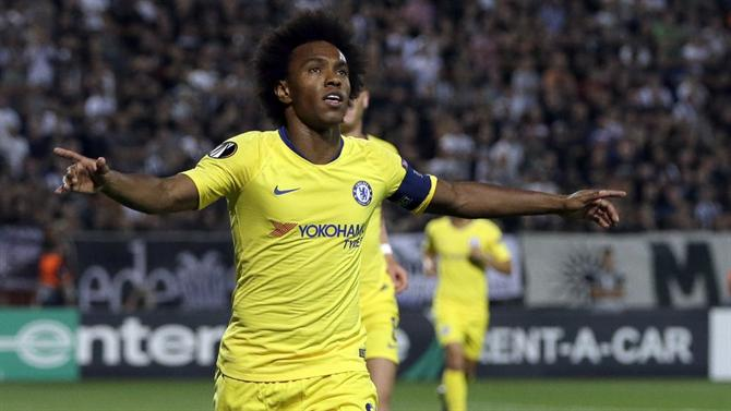 3bd681b956 A BOLA - Paris Saint-Germain mantém Willian debaixo de olho (Chelsea)