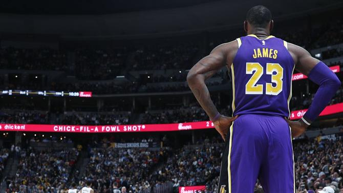 https://www.abola.pt//img/fotos/abola2015/FOTOSAP/NBA/2019/lebronjames11.jpg