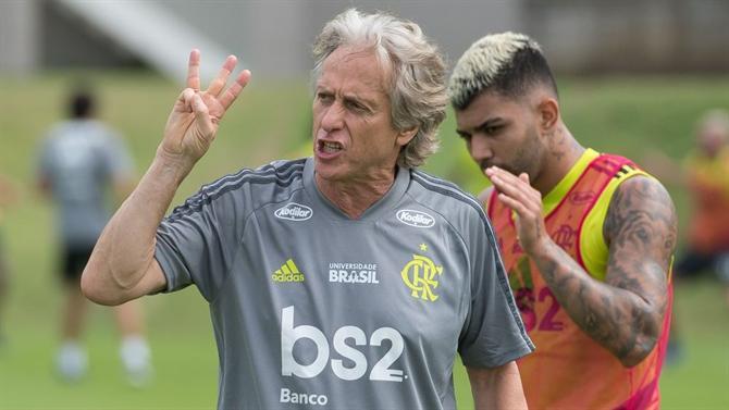 https://www.abola.pt//img/fotos/abola2015/FOTOSDR/BRASIL/2019/jorgejesustreino.jpg
