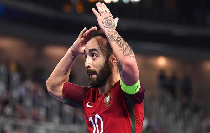 A BOLA - Ricardinho é o Melhor do Mundo e não é o único português premiado ( Futsal) f185e529e5cbe
