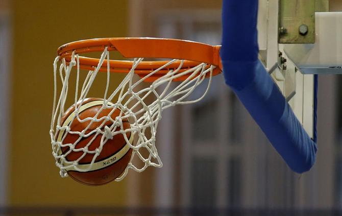 https://www.abola.pt//img/fotos/abola2015/GENERICAS/2017/basquetebol2.JPG
