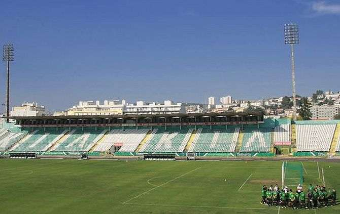 https://www.abola.pt//img/fotos/abola2015/SETUBAL/estadio1.jpg