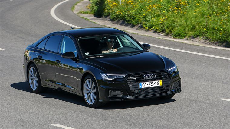 audi a6 55 lateral frente