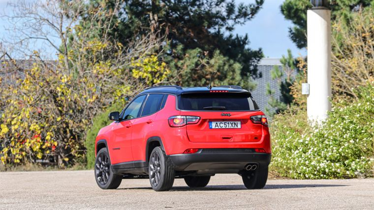 jeep compass traseira