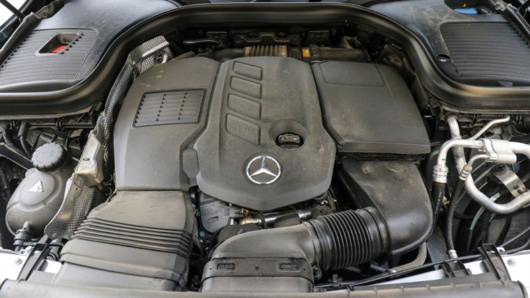 mercedes-benz glc 300 d motor