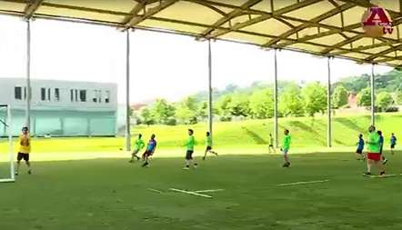 Jornalistas também jogam no Euro-2016 (vídeo)