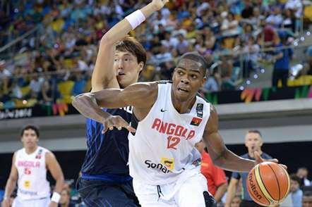 Yanick Moreira, poste internacional angolano, dispensado pelos Toronto Raptors (NBA)