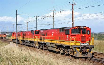 Primeiras locomotivas chinesas começaram a chegar ao País