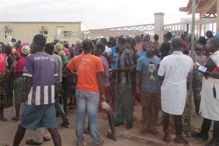 Futebol/Uíge: Inquérito responsabiliza falhas na segurança exterior do estádio pelas mortes
