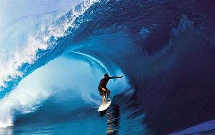 Praia de Ponta Preta recebe fase final do circuito da Europa de surf em sub-16