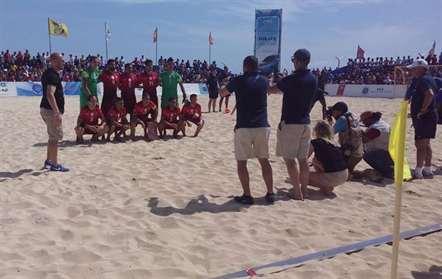 Seleção portuguesa de futebol de praia vence (5-2) Inglaterra no Sal Beach Soccer