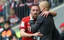 Recado de Rummenigge para Ribéry: «Não há razão para criticar Guardiola»