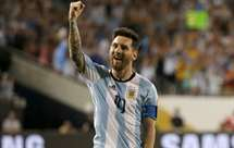 «Messi tem de continuar a jogar ao serviço da seleção» – Maradona