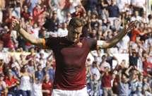 Totti critica Higuaín: «Hoje em dia os jogadores seguem o dinheiro e não o coração»