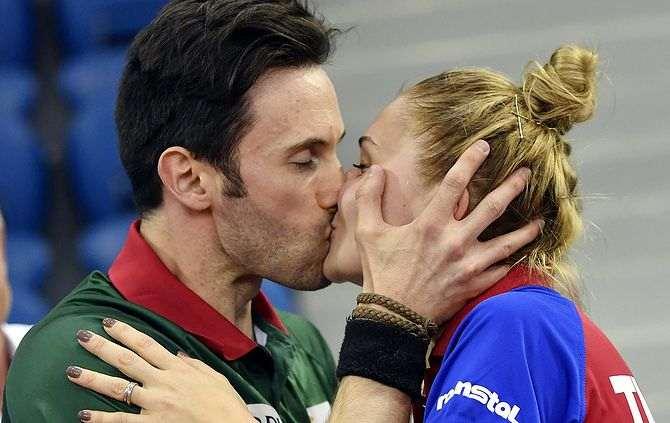 João Monteiro e Donean, o beijo da vitória (Foto Tibor Illyes/MTI via AP)