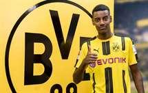 Isak (Foto: Twitter do Borussia Dortmund)