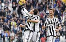 Campeã Juventus vence Carpi (2-0)