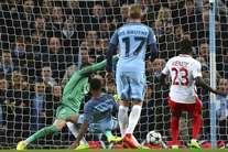 Sterling apontou assim o primeiro da noite em Manchester