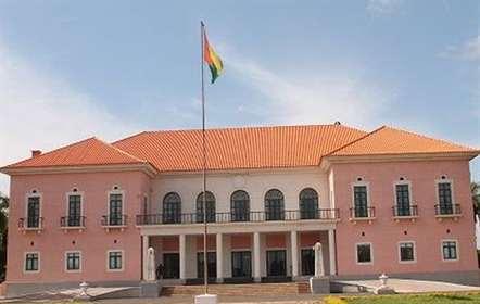 Governo demitido recusa sair do Palácio Presidencial