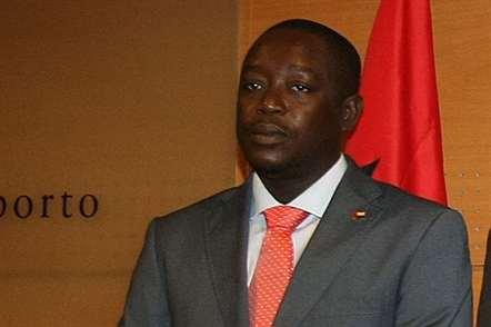 Baciro Djá explica polémica de avião que aterrou no país