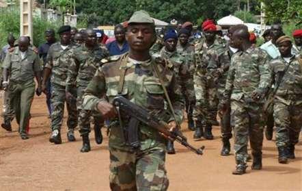 Ministra da Defesa promete mais investimentos para melhorar saúde dos militares e população