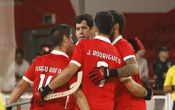 http://www.abola.pt/img/fotos/ABOLA2015/HOQUEI/2017/BenficaDR1.jpg