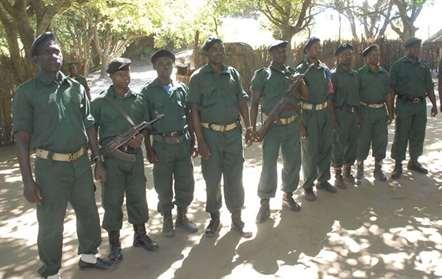 Homens armados da Renamo ocupam instalações da polícia do centro do país