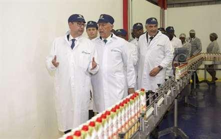 Marcelo Rebelo de Sousa visita fábrica da Sumol+Compal (fotos)